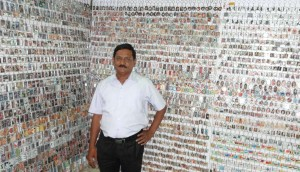 Golden-Book-of-World-Records-Collection-of-Photo-Frame-Key-Rings_-Mr-Rakesh-Vaid-New-Delhi-India_Compress