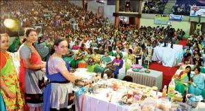 Golden Book of World Records-largest cooking lesson-Akhil Bhartiya Swetamber Jain Mahila Sangh Kandriya Ikai-Indore-Madhya Pradesh-India-gbwr