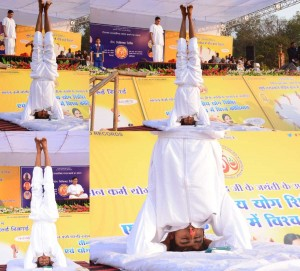 Golden Book of World Record longest head-stand yoga Mr. Jaipal Sikar Rajasthan India.gbwr